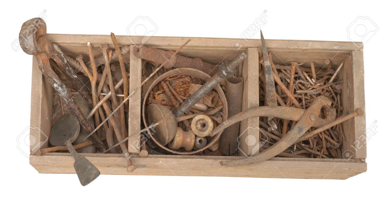 Antique outils rouillés sur un vieux bureau en bois banque d