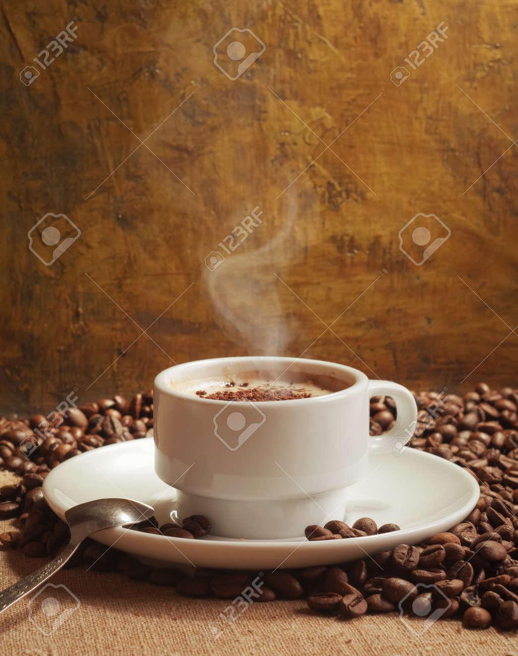 hot coffee Stock Photo - 10941911