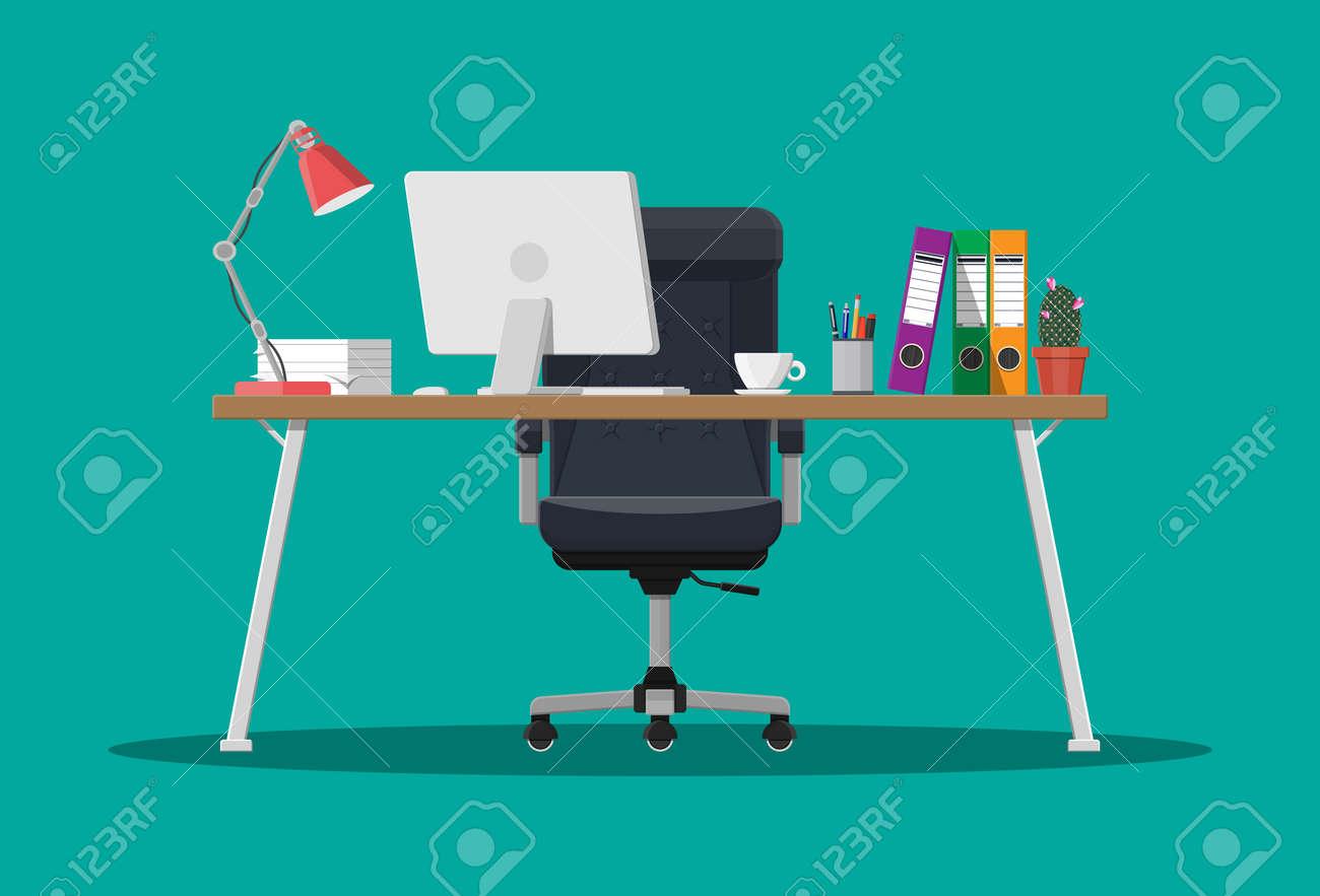 Lavoro In Ufficio Vignette : Scrivania da ufficio con computer sedia lampada tazza di caffè