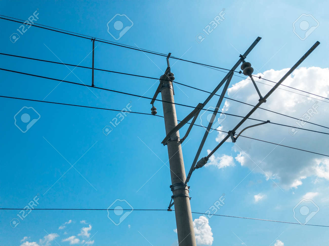 Electric Railway Parallel Overhead Line or Wire To Transmit Electrical