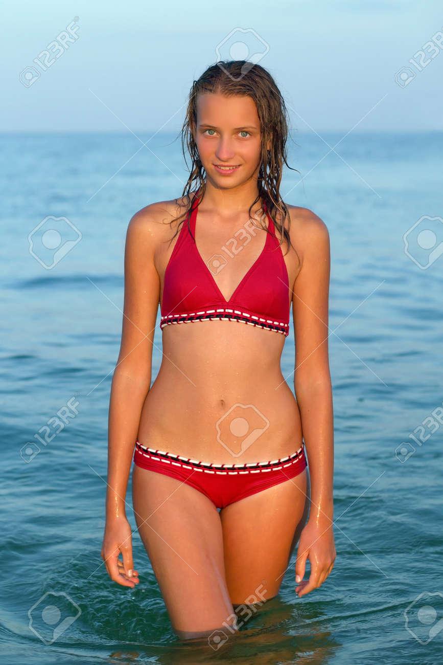 Фото подростков девочек в купальнике 3 фотография