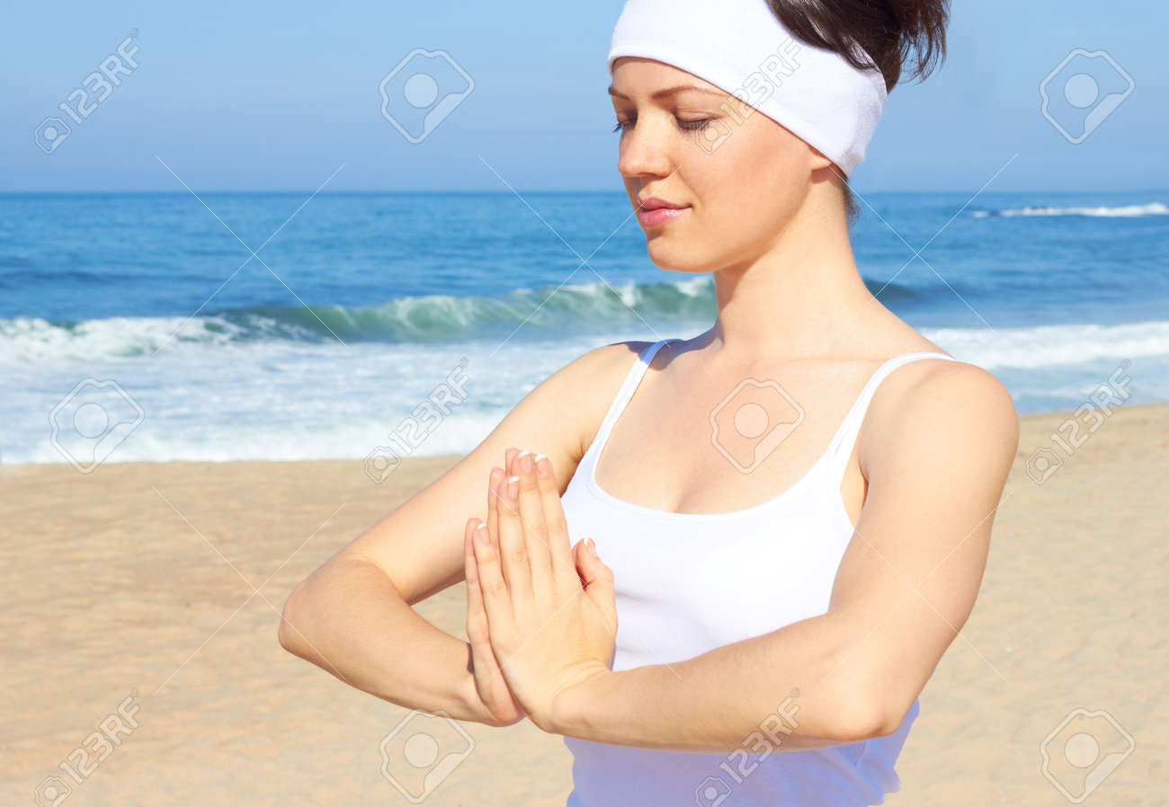 Relaxing on the beach Stock Photo - 18116904