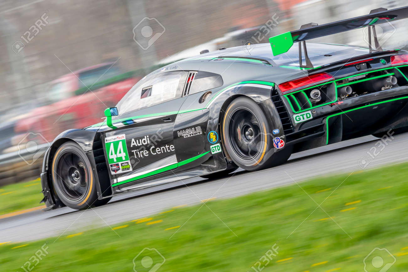 The Magnus Racing Audi R8 Lms Gt3 Races Through The Turns At Stock