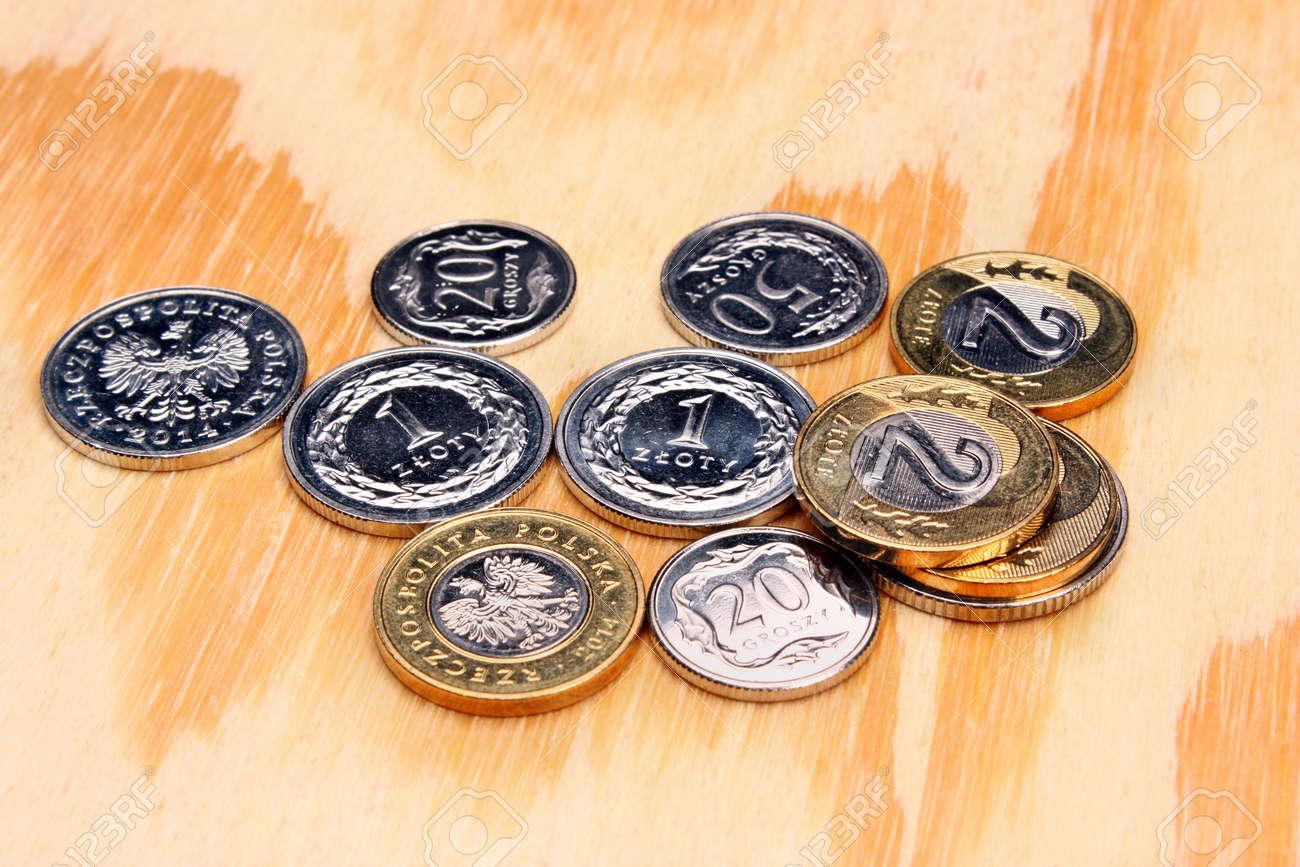 Polnisches Geld Münzen Auf Den Holztisch Lizenzfreie Fotos Bilder