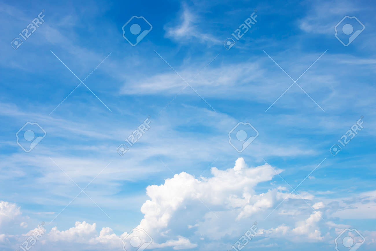 Beautiful white clouds in the sky - 121409039