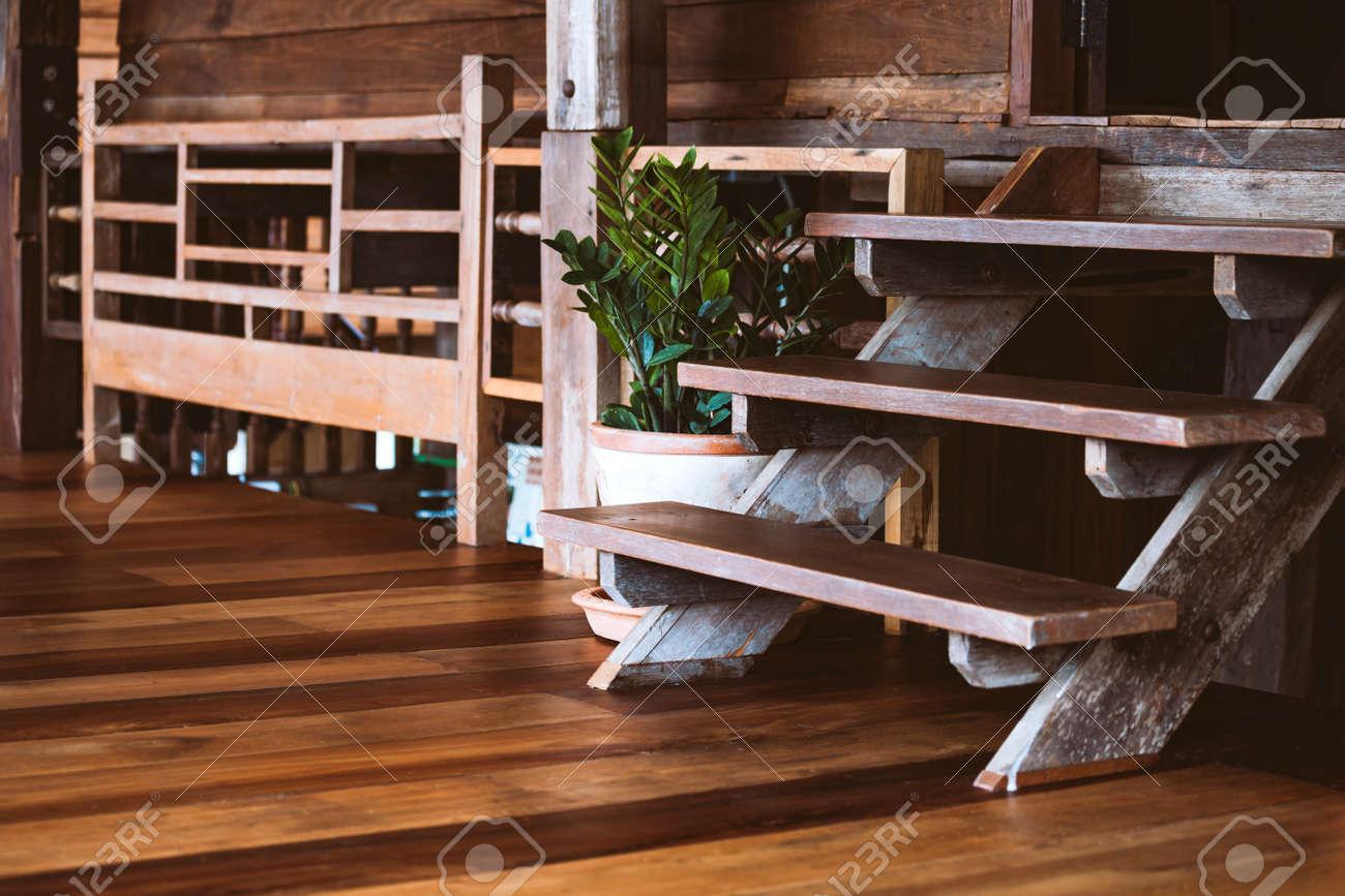 Casa De Campo Rústica Interior De Madera Decoración De Concepto Para El Estilo Tailandés De La Casa Original