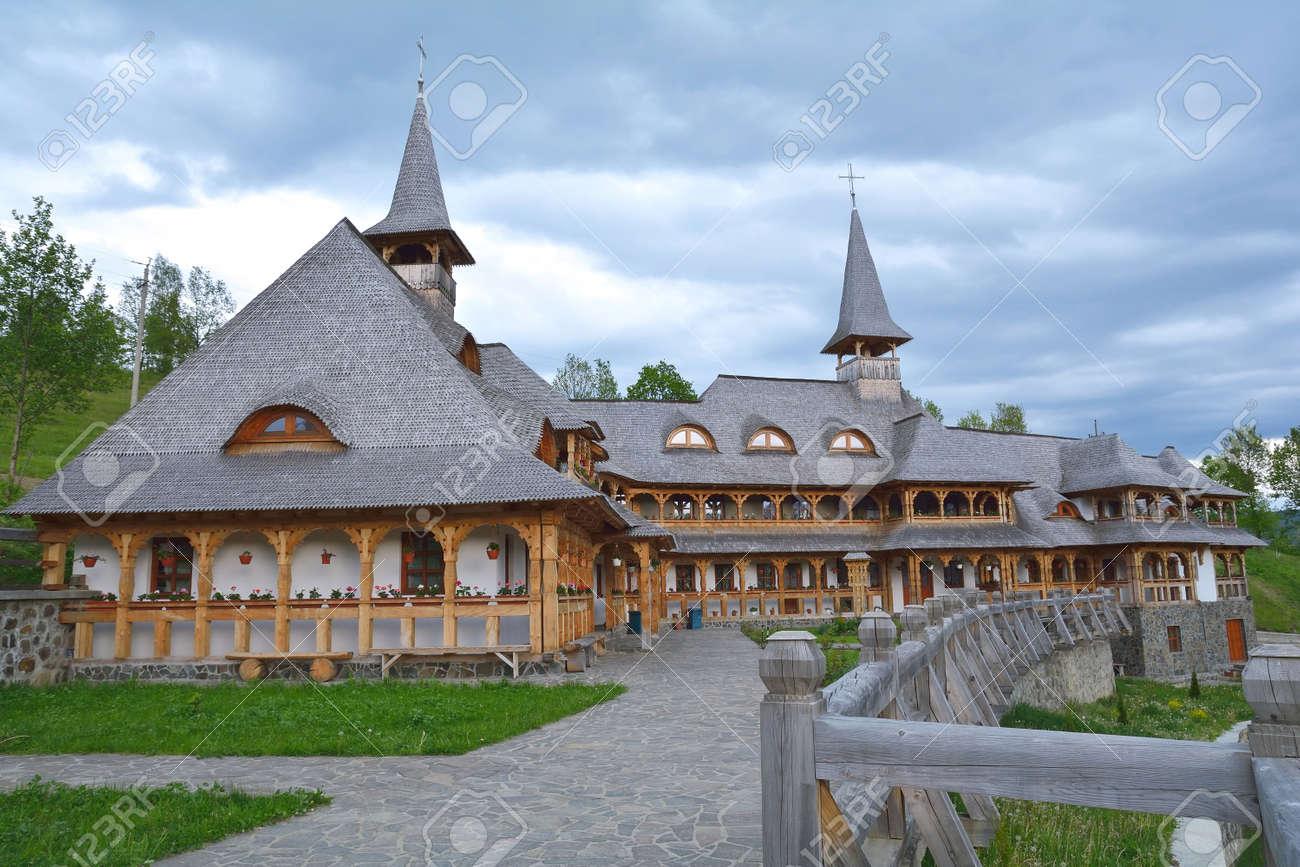 ルーマニア マラムレシュ県木造...