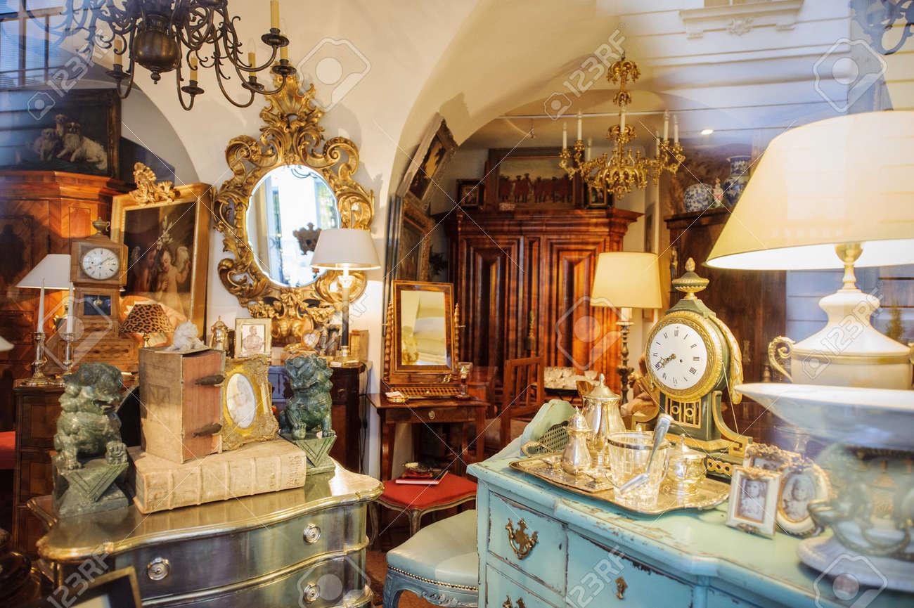 Wien österreich 4 Juli 2011 Shopping Antiquitäten Schaufenster