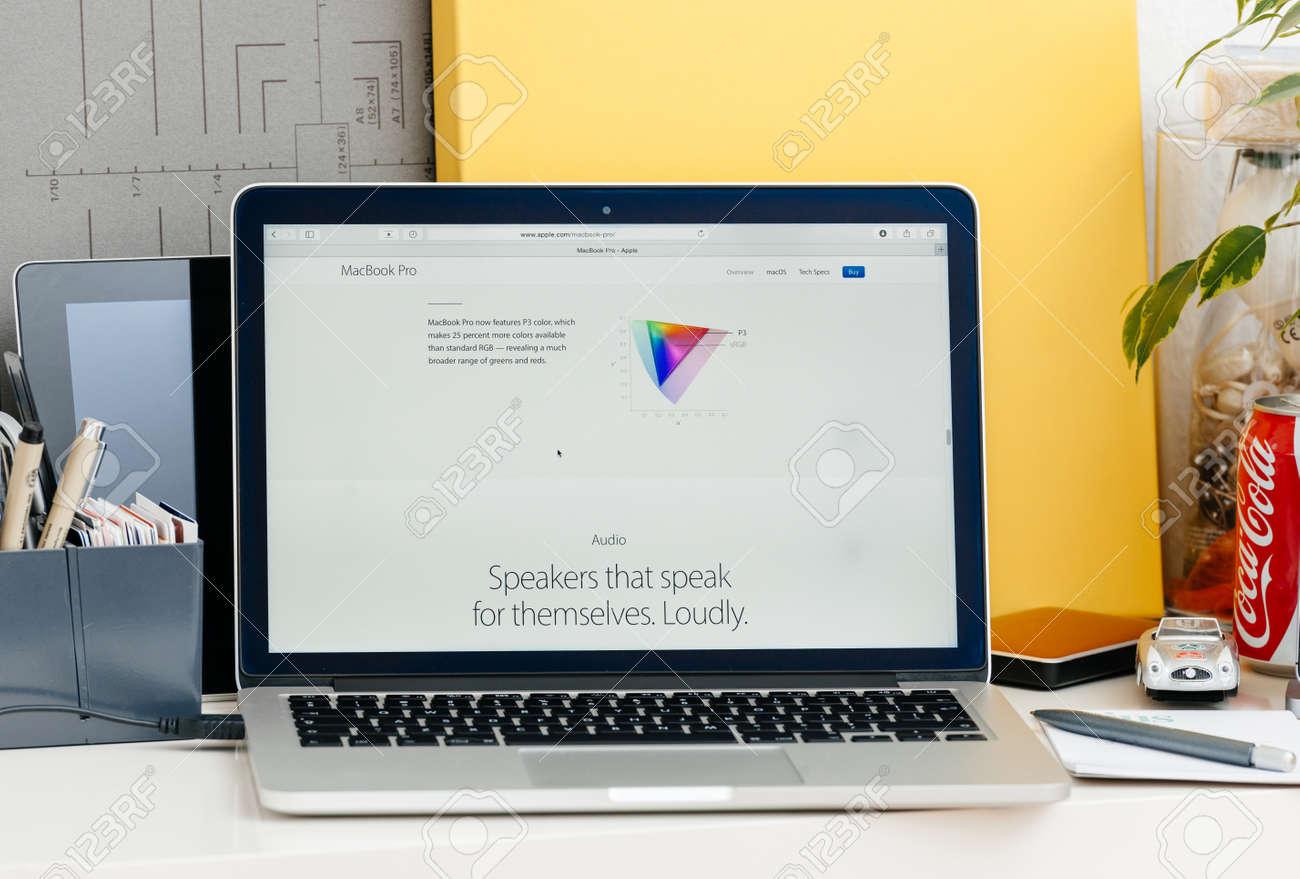 PARIS, FRANCE - OCT 28 2016: Apple Computers Website On New MacBook ...