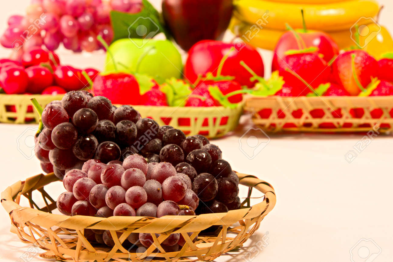Delaware grapes from Japan - 92786926