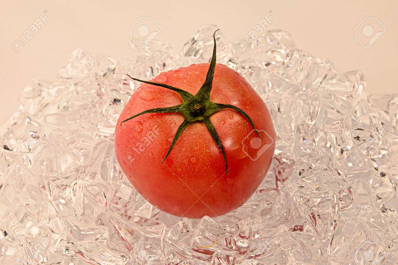 Ripe tomato - 92850710