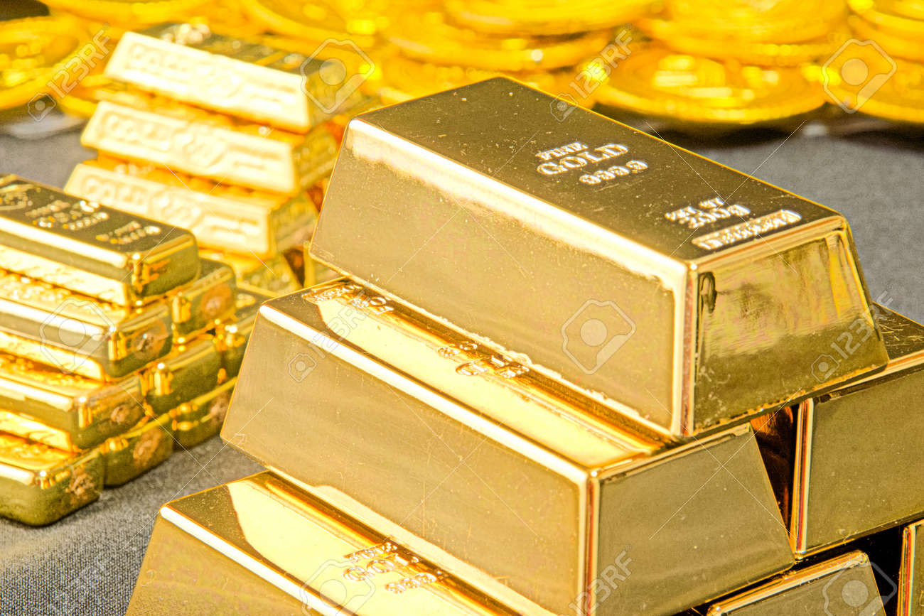 A large amount of gold - 92771680