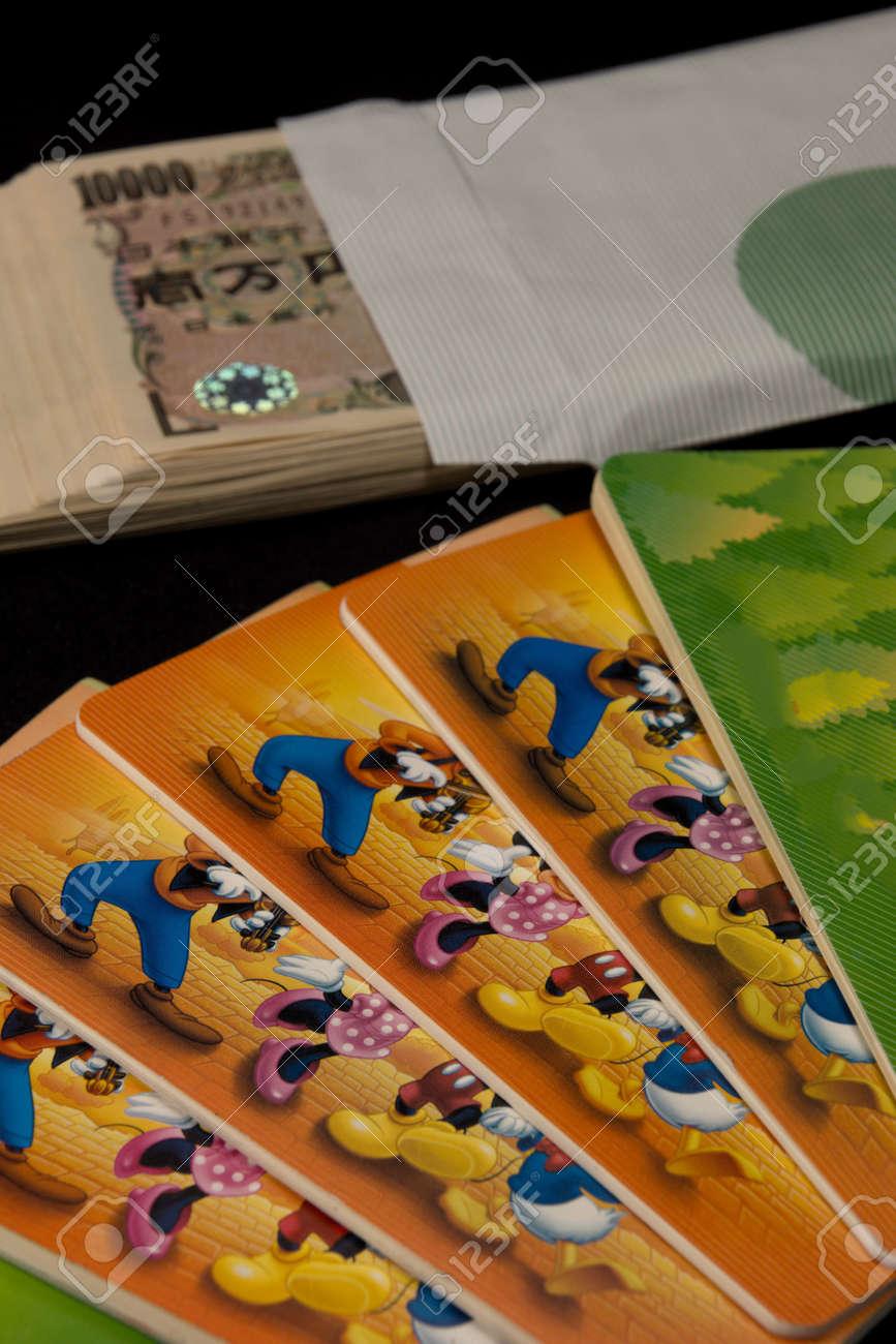 Savings passbooks and cash - 104996440