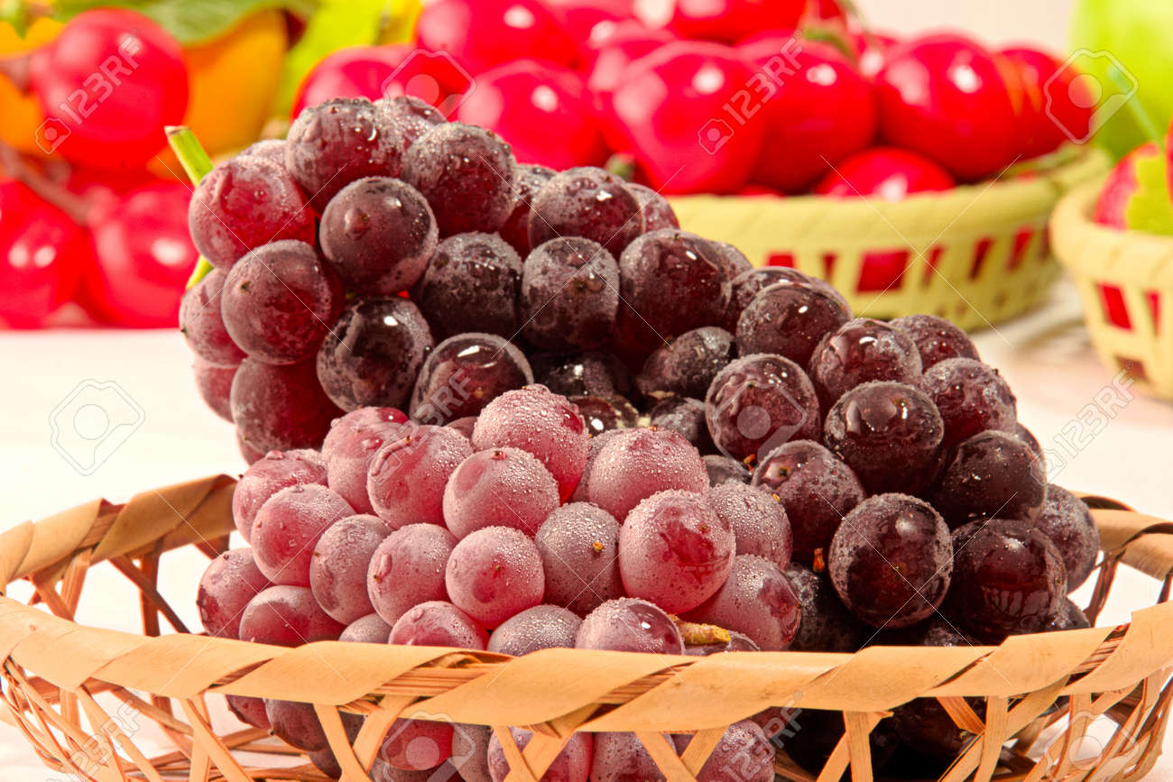 Closeup photo of Japanese grapes - 109978659