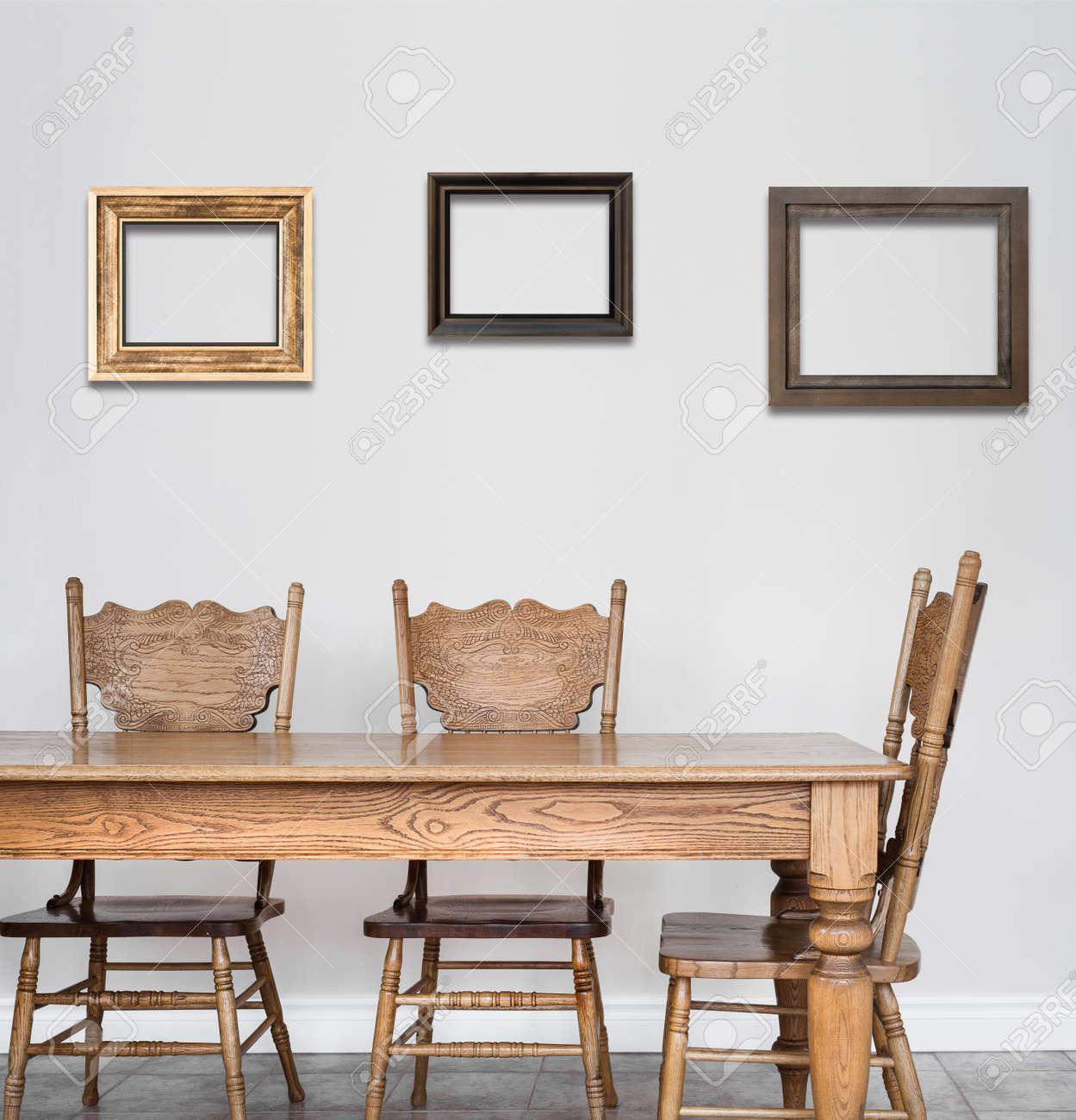 Table En Bois De Salle A Manger Et Une Chaise De Details Et De