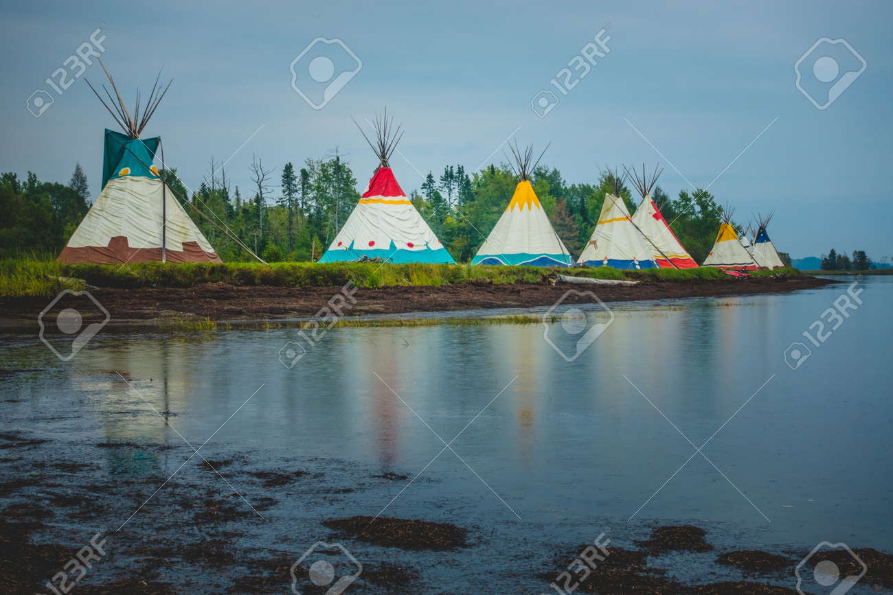 Traditional Houses Of Native Americans Installation In Gesgapegiag ...