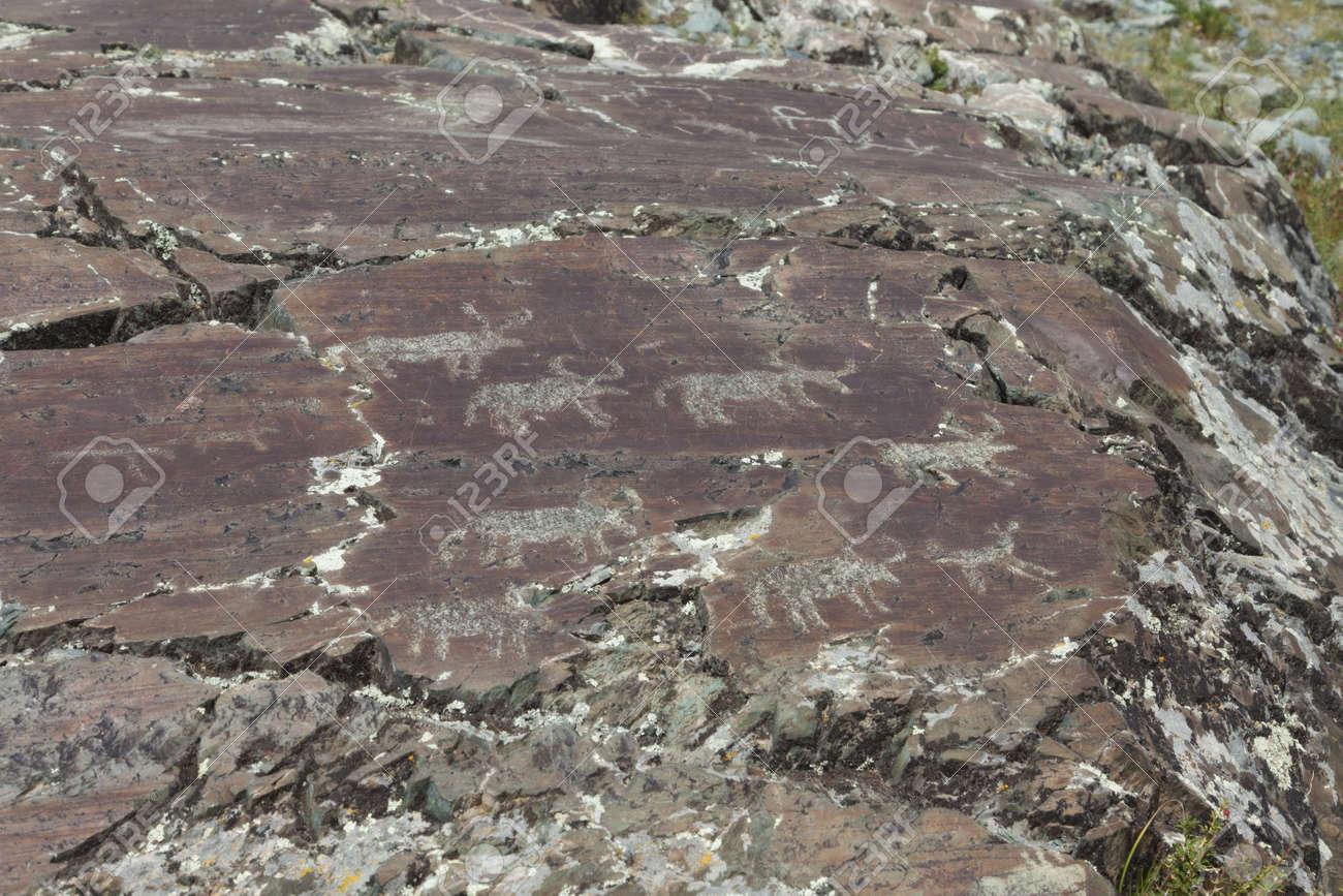 青銅器時代からの岩絵 ロイヤリ...