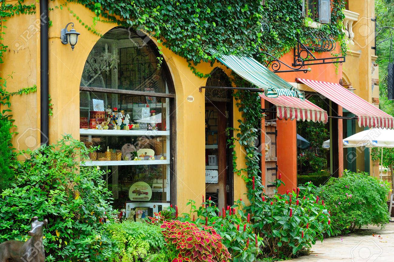 italian shops. Stock Photo - 11109233