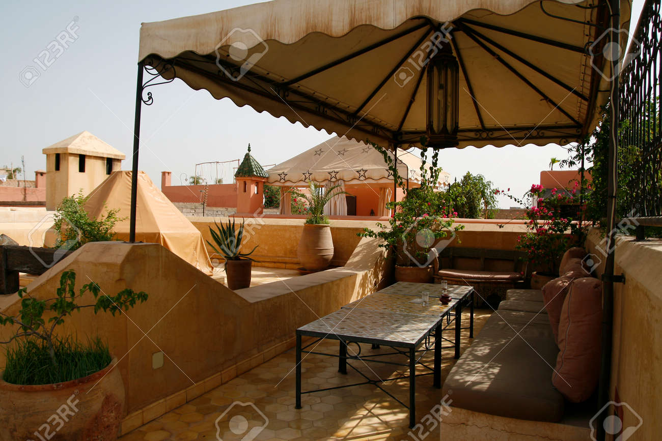 Confortable Riad à Marrakech, au Maroc Banque d'images - 29933351