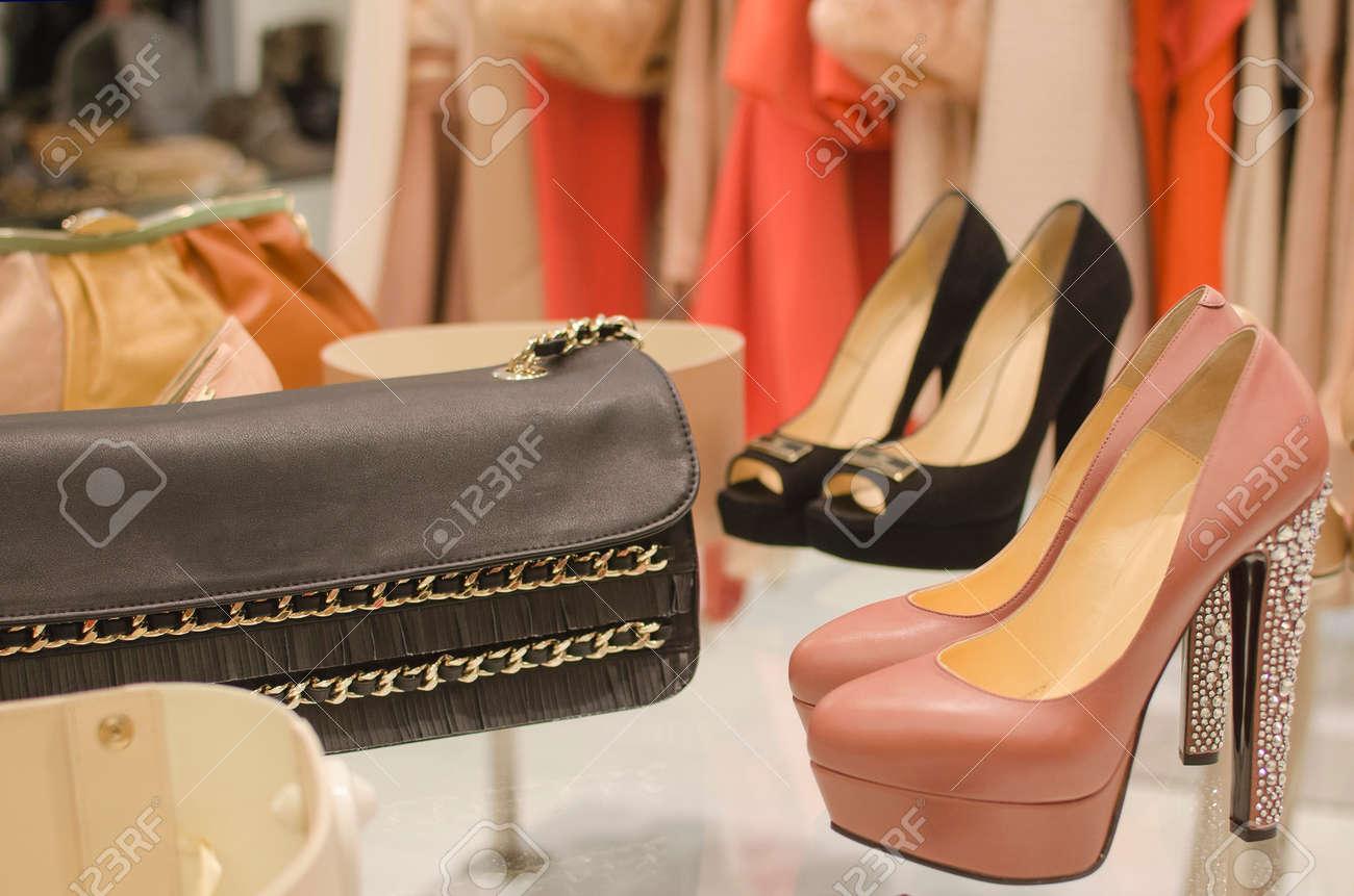 luxury clothing store - 45169952