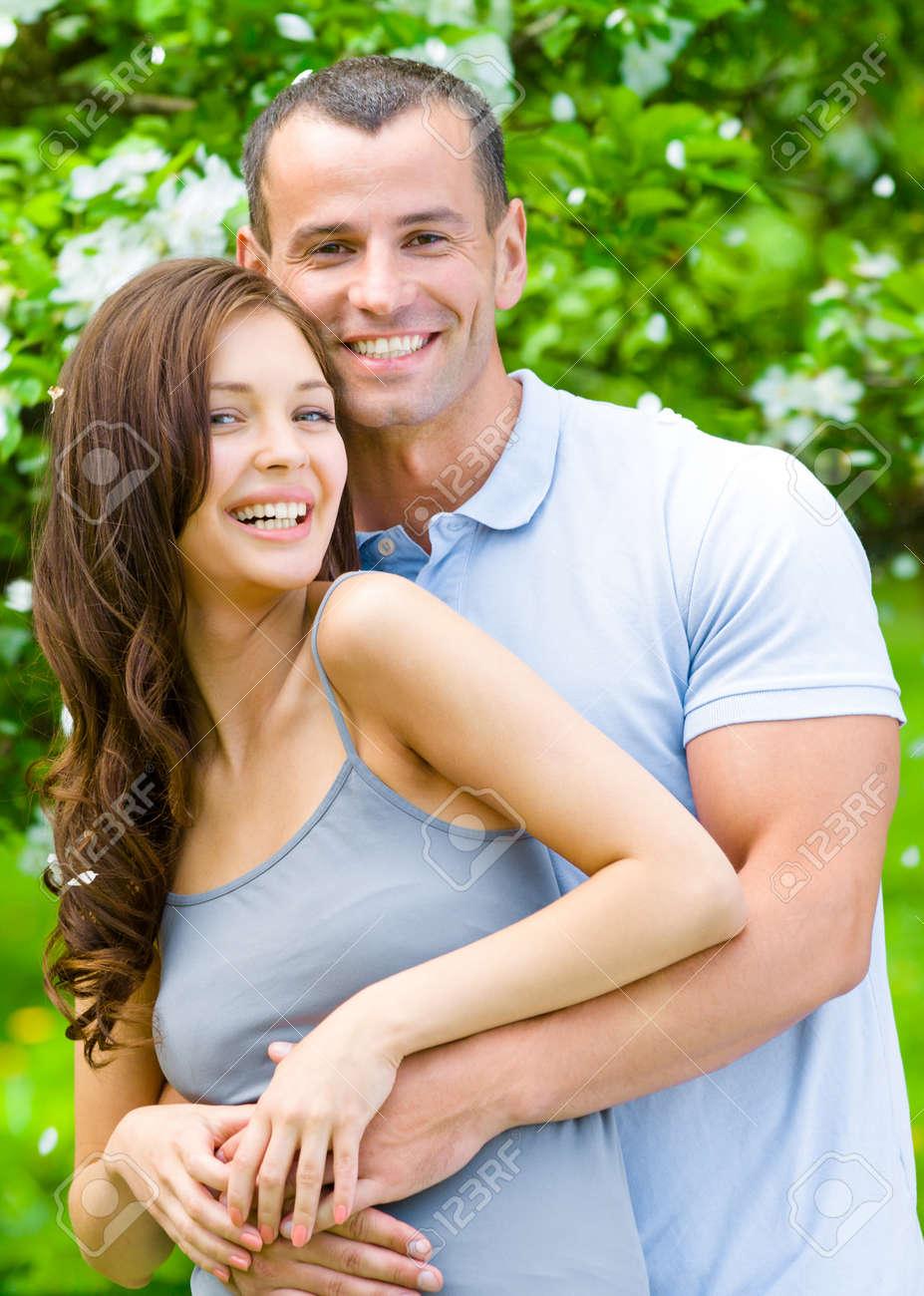 Was ist der Unterschied zwischen Dating und gehen stabil Zu schüchtern für Online-Dating