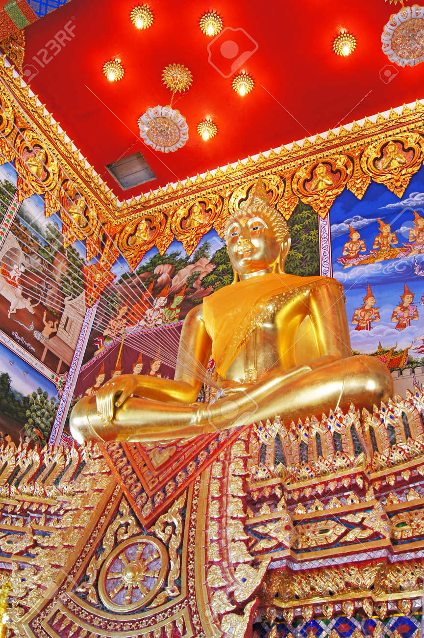 Buddha image in Thai temple Stock Photo - 16261218