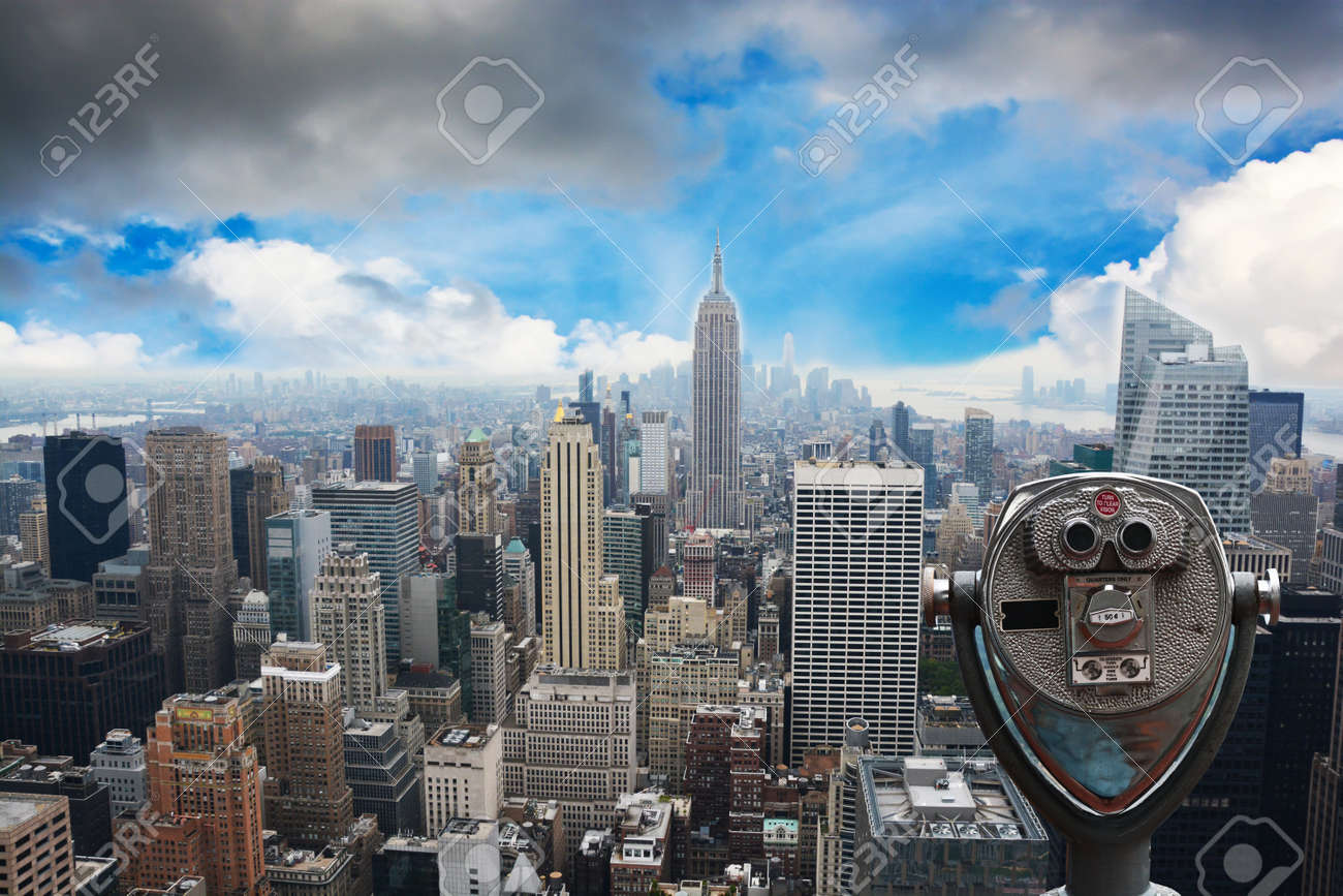New York City Skyline – Midtown and Empire State Building, view from Rockefeller Center - 73593575