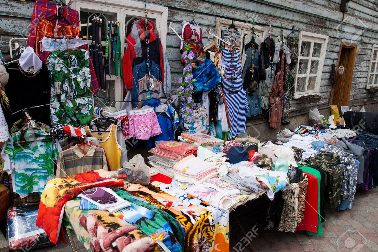 Блошиный рынок одежда