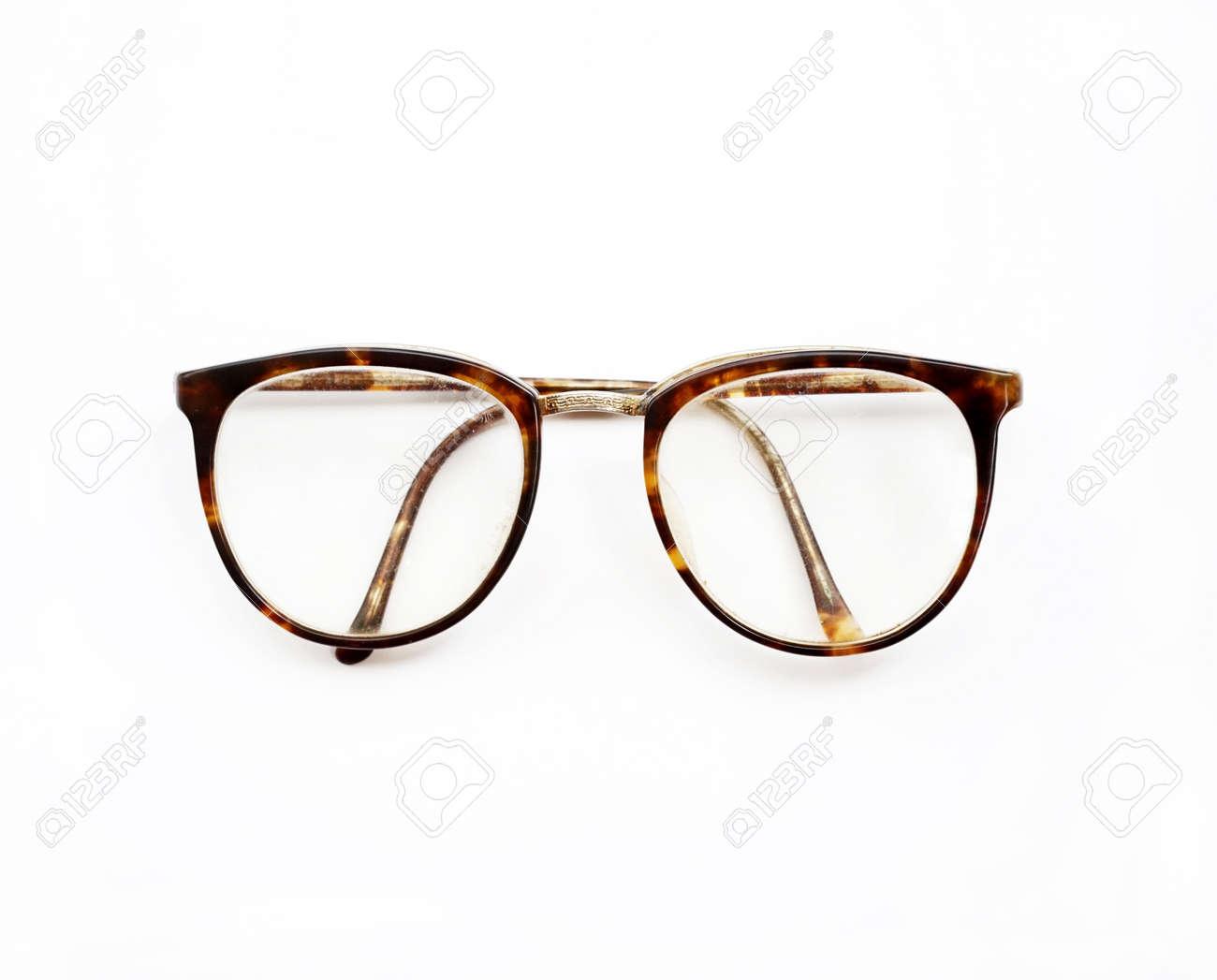 Foto de archivo , gafas vintage aislados en un blanco