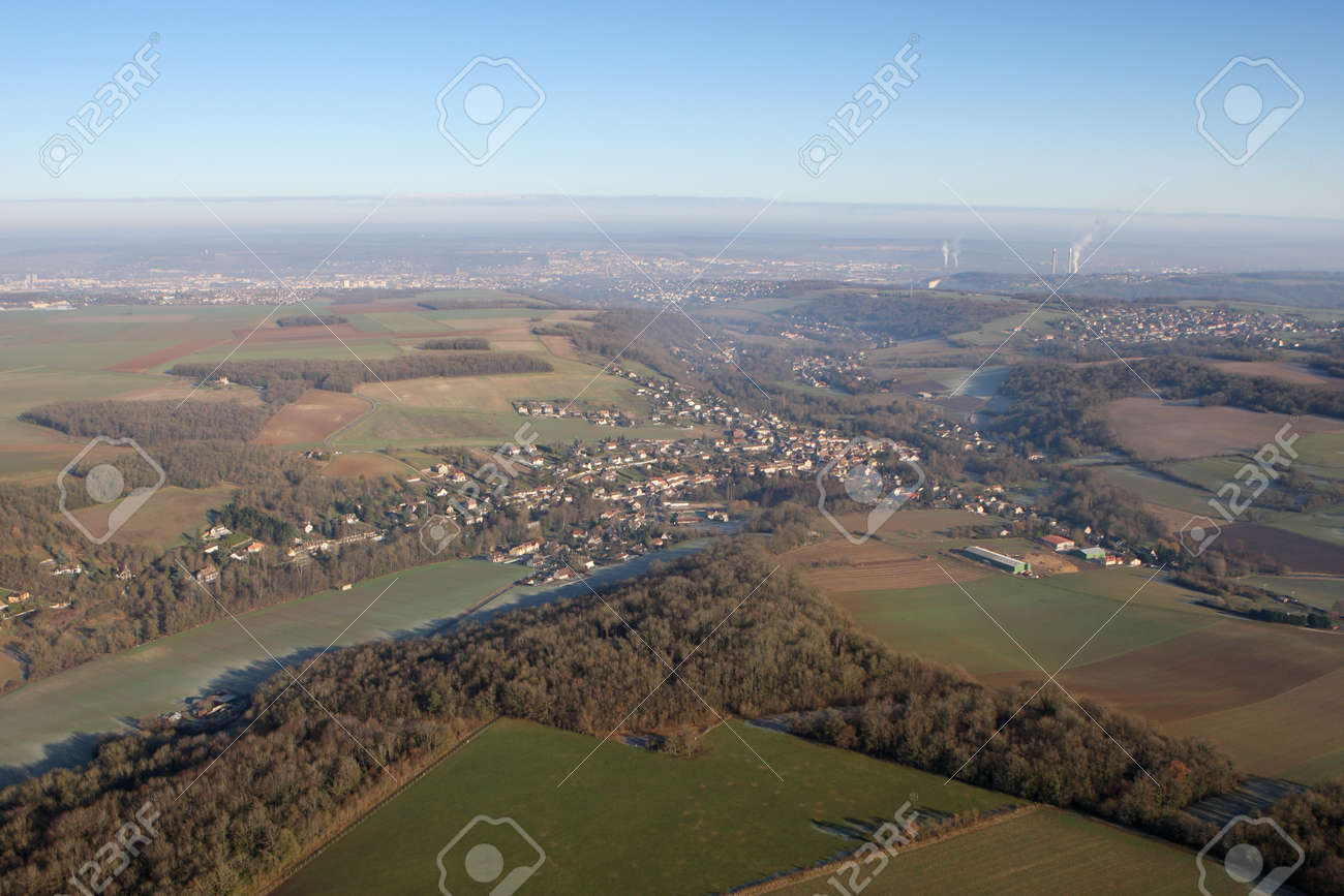 Aerial view of the commune of Vert and the valley of the Seine on the horizon, in the Yvelines department (78930), Ile-de-France region, France - January 03, 2010 - 164479195