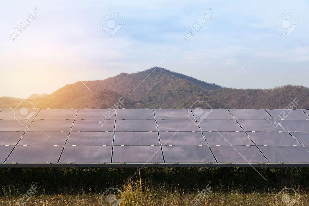 Cellule Photovoltaïque En Silicium Amorphe à réseau de cellules solaires à couches minces ou de cellules solaires