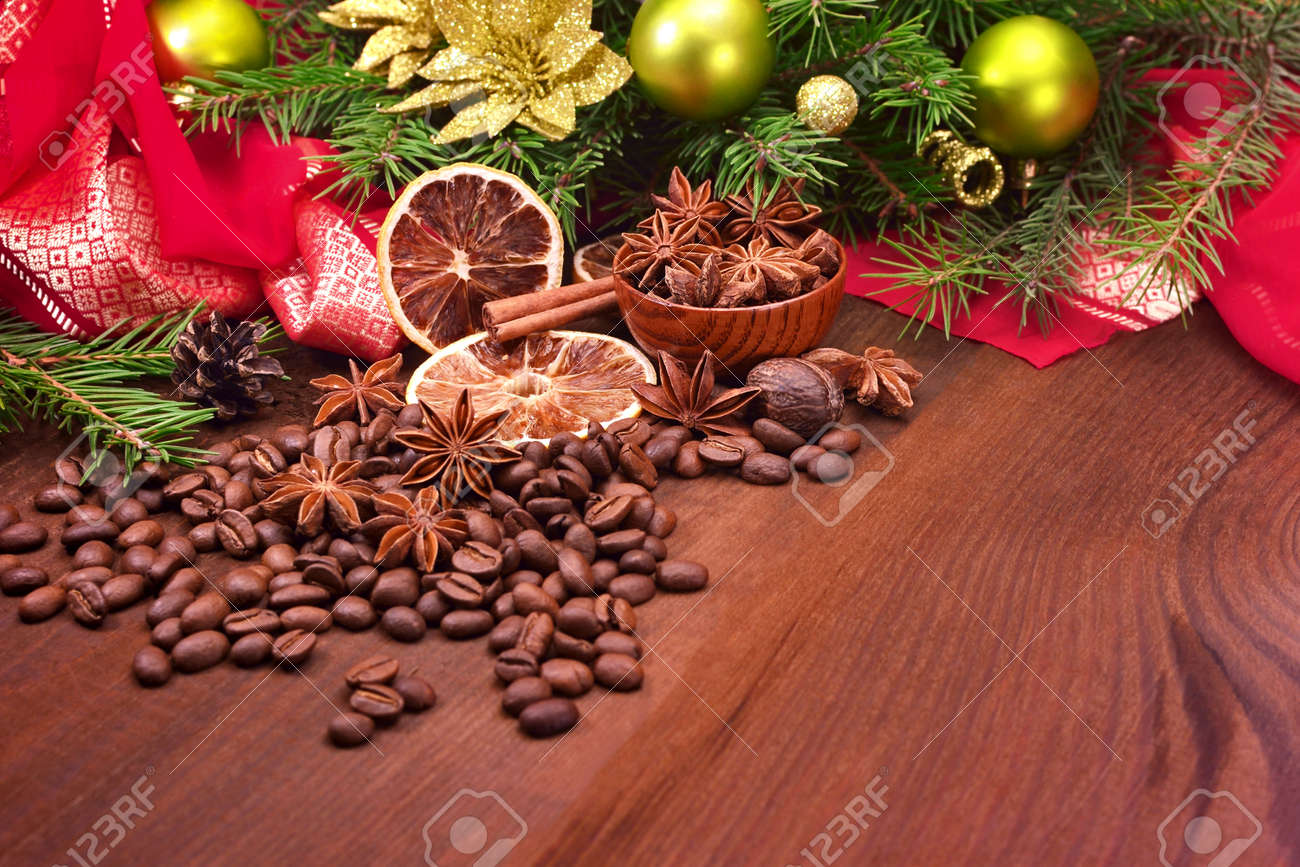 Coffee Christmas Tree Ornaments.Coffee Bean Star Anise Cinnamon And Christmas Tree With Ornaments