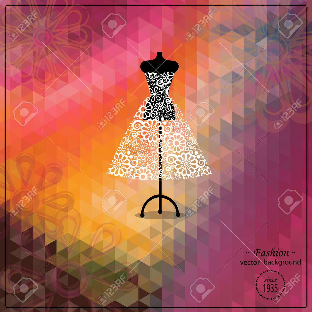 Hermosa Noche O Vestido De Cóctel En Maniquí. La Moda Retro De Fondo ...