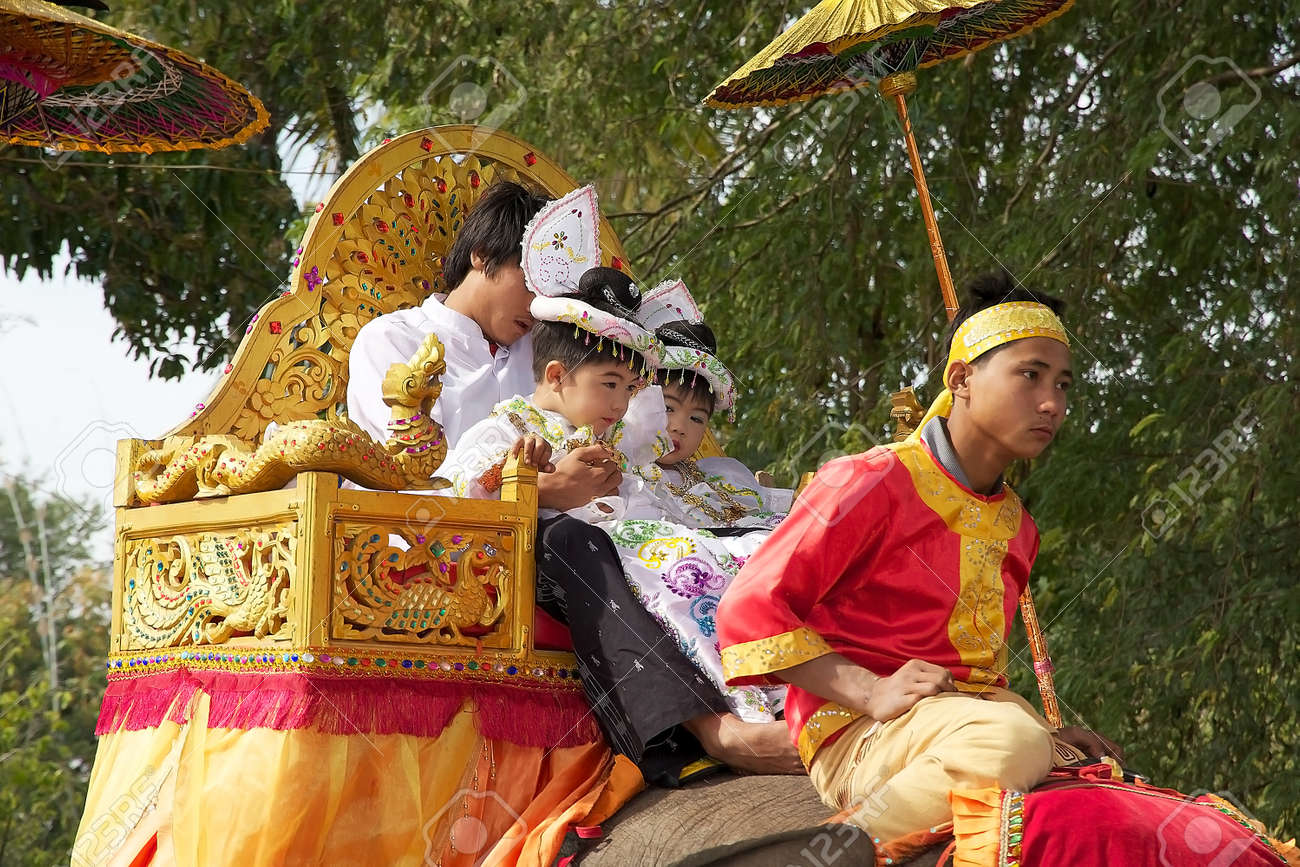 myanmar traditional clothes