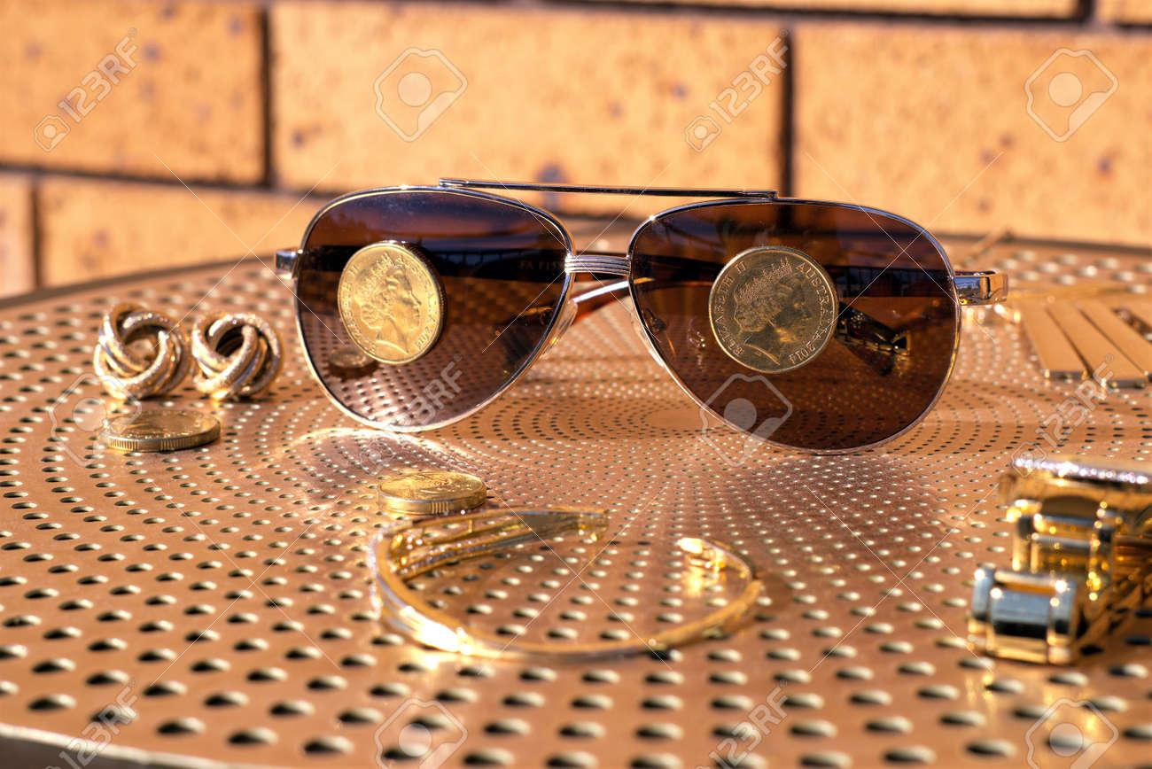 Australiennes De Des Pièces Dollar Lunettes SoleilUne Un Sur PkZXiOu