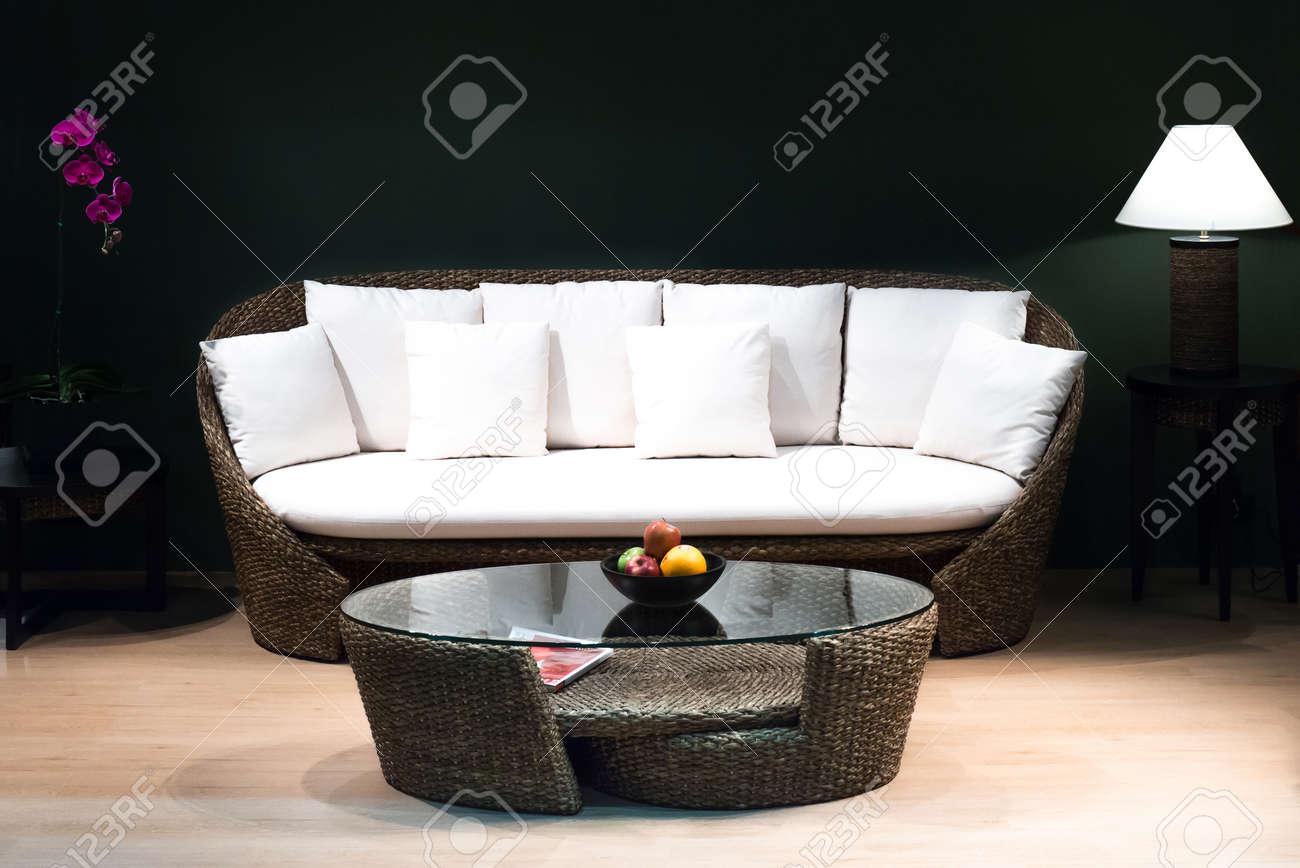Klassische Weinlese Art Möbel Set In Einem Wohnzimmer Standard Bild    38235527
