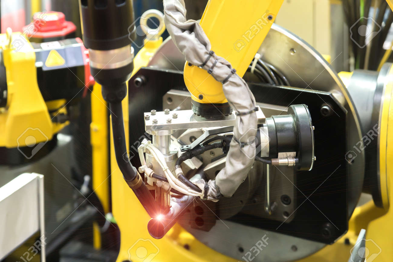 6 axis robot arm with sensor working with High precision CNC