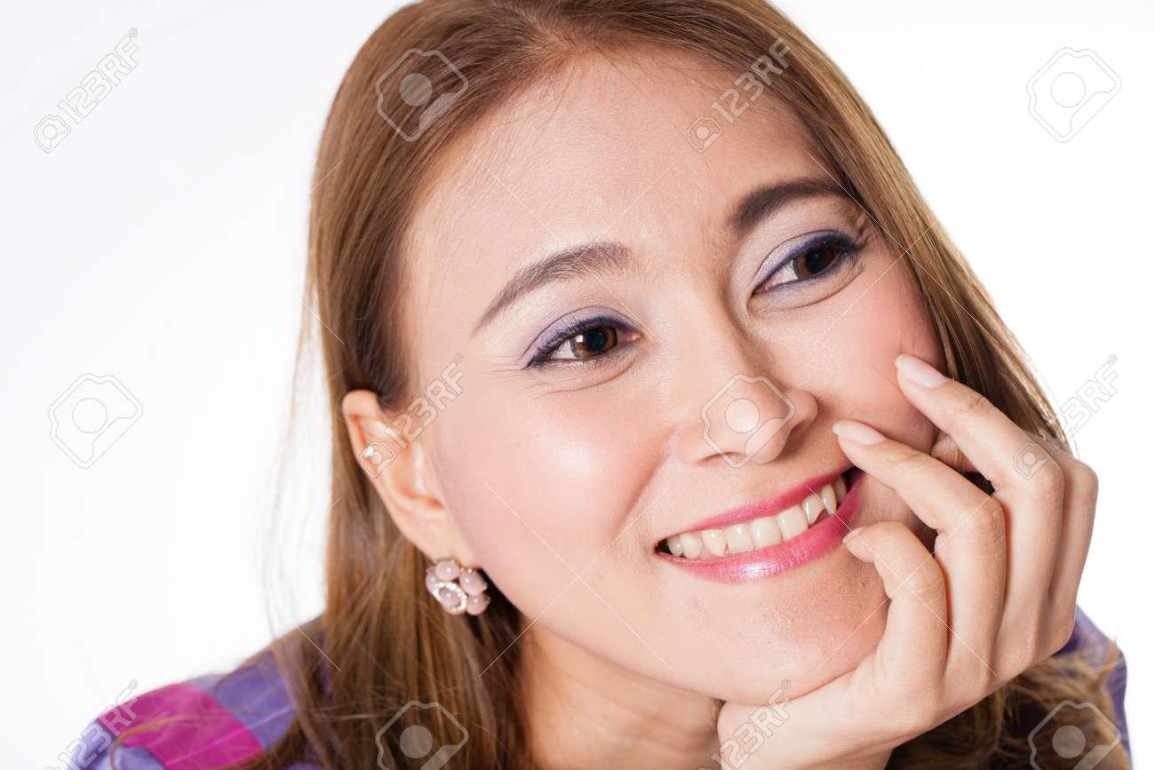 https://previews.123rf.com/images/akeeris/akeeris1411/akeeris141100031/33462549-beautiful-girl-asian-thai-beautiful-woman-face-fashion-portrait.jpg