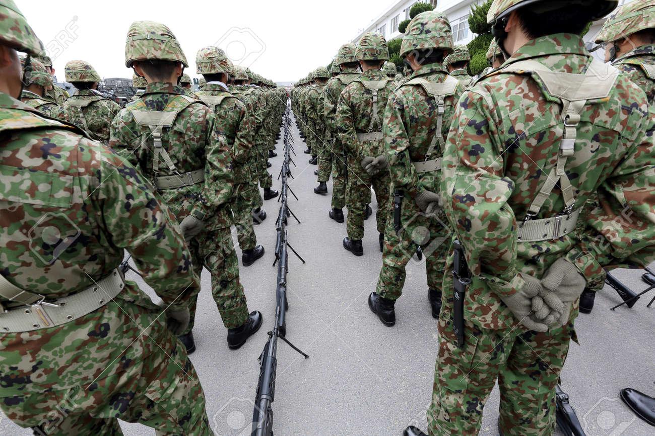 japonais armée sexe BBW lesbienne manger chatte