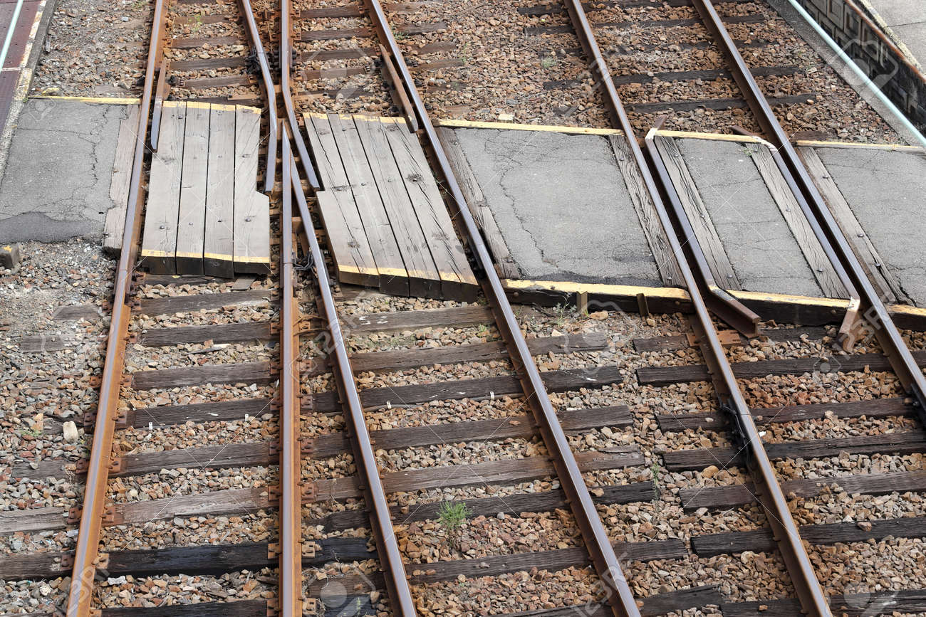 railroad crossing, crossing line of track, top view