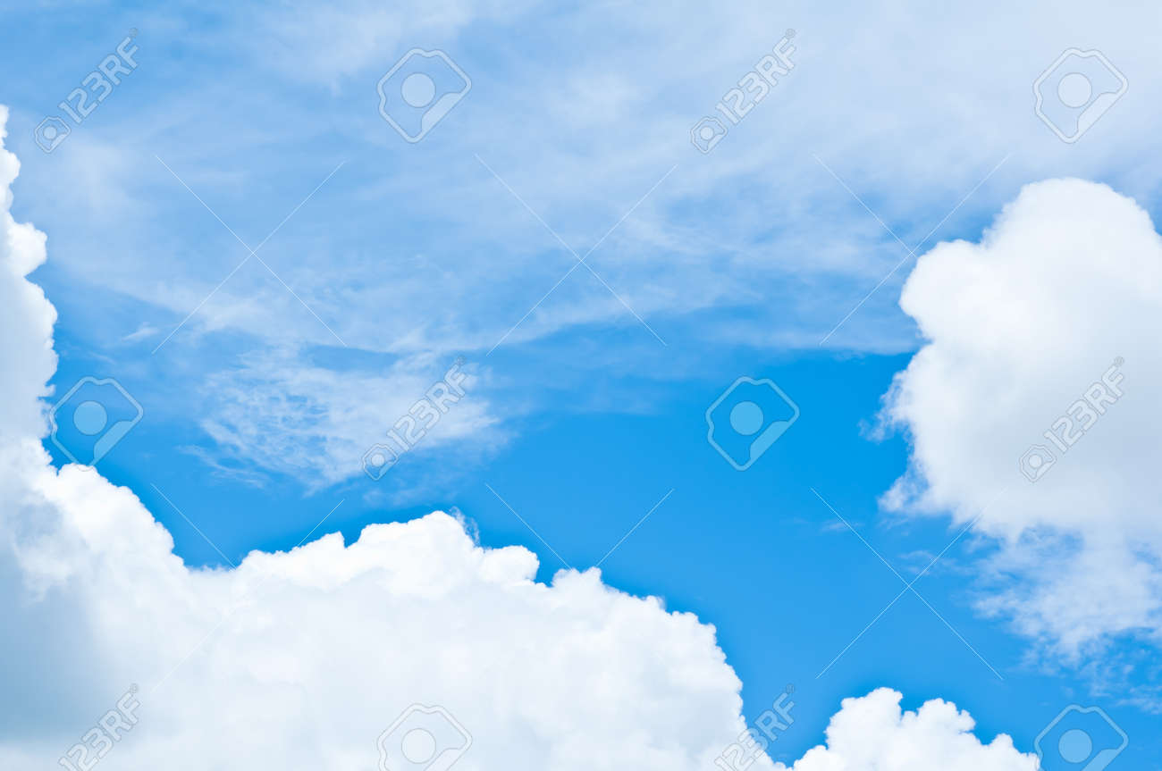 Deep blue sky and clouds Stock Photo - 15312279