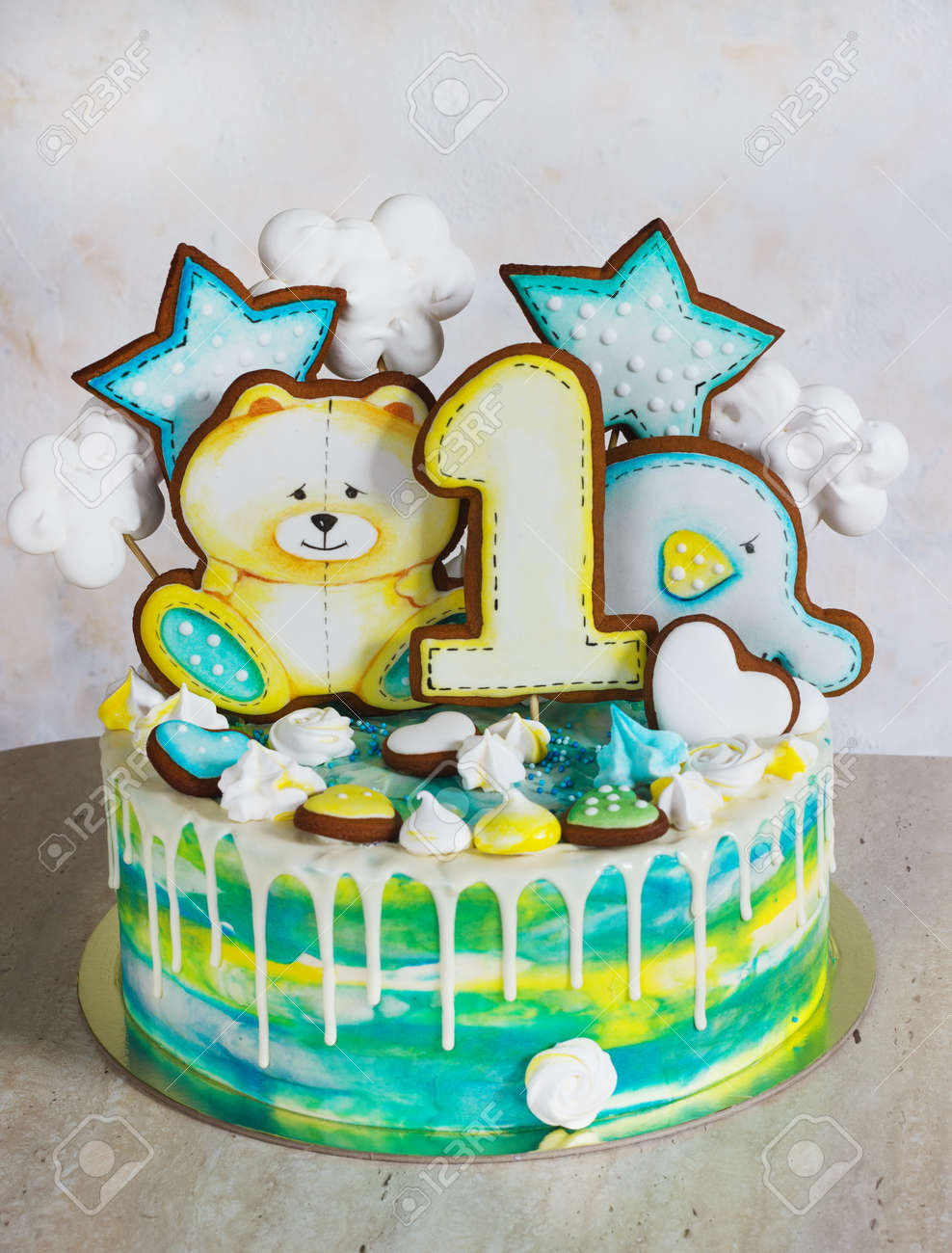 Modern Bright Childrens Cake With Gingerbread Cookies For One