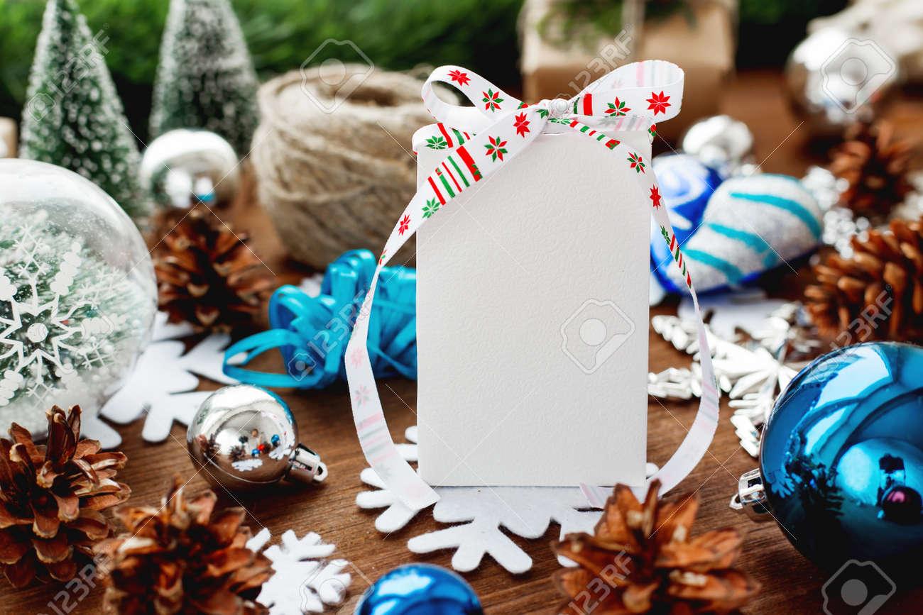 Weihnachts- Und Des Neuen Jahreshintergrund Mit Geschenken, Bändern ...