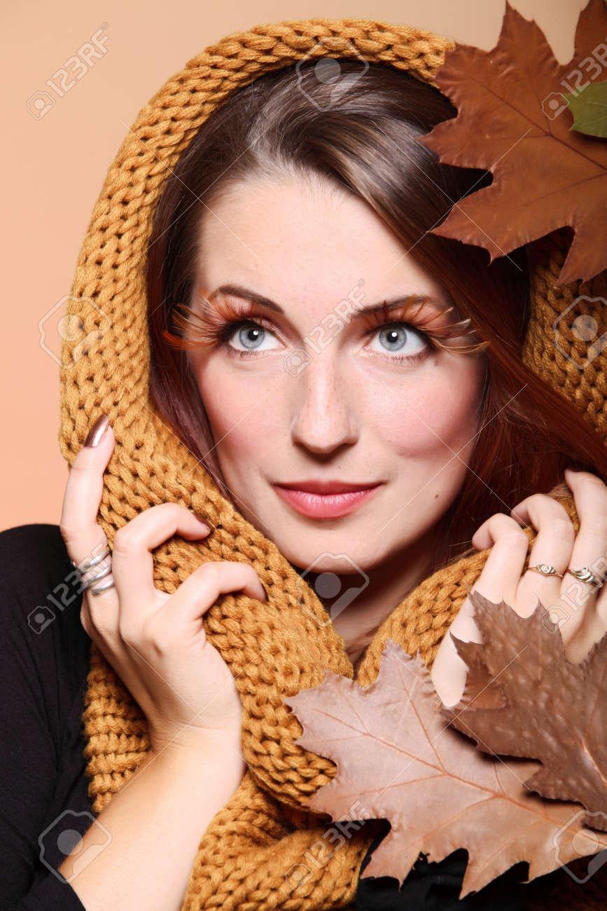 Autumn woman in fashion female, fresh girl glamour eye-lashes oak leaf Stock Photo - 15256417