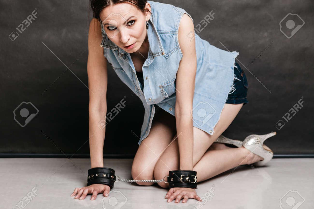 Frau bestrafung Female Genital