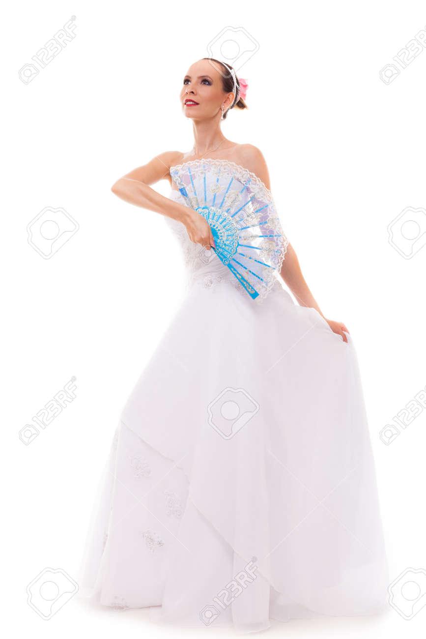 Jour De Mariage Pleine Longueur Jeune Mariee Romantique Seduisante En Robe Blanche Avec Ventilateur Bleu Isole Sur Fond Blanc