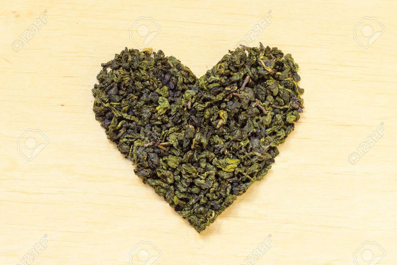 Diat Gesundheitskonzept Gruner Tee Herz Auf Holzernen Oberflache
