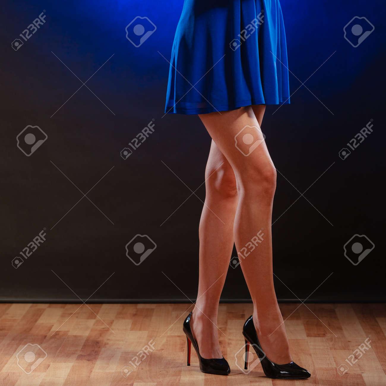 Año Nuevo, Celebración, Concepto De Discoteca - Mujer En El Baile ...
