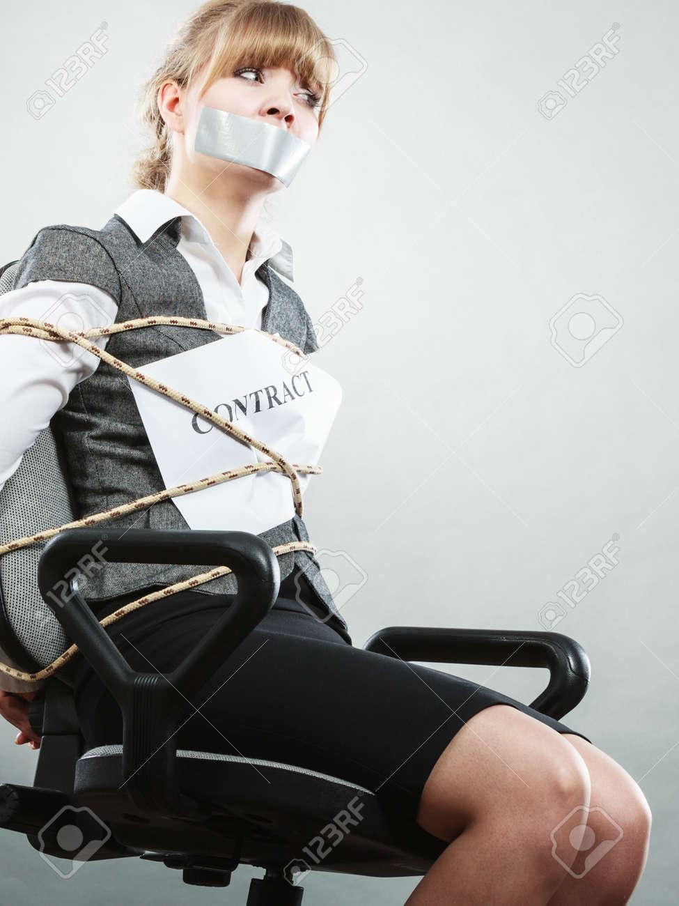 実業家は、契約条項に拘束、口をテープで条件がシャット ダウンを ...
