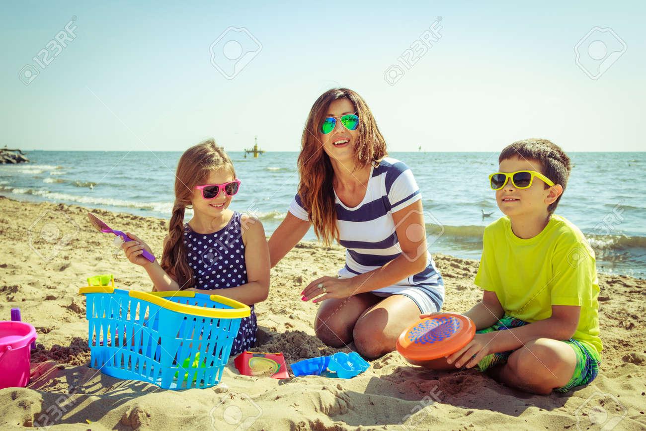 Mom beach 3d images 98